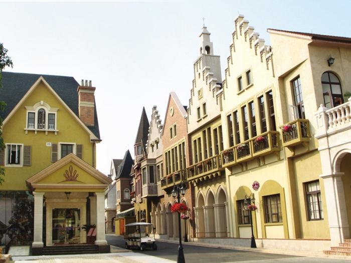 番禺区   计划打造石碁红木小镇和万博基金小镇.
